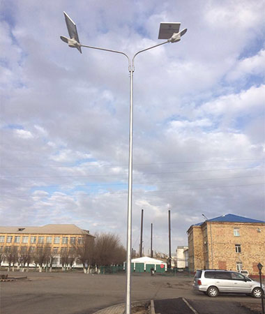 1-solar-powered-street-light