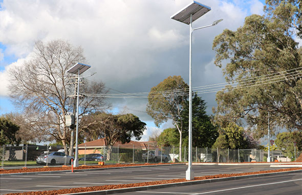 1.-solar-powered-street-lights-in-us