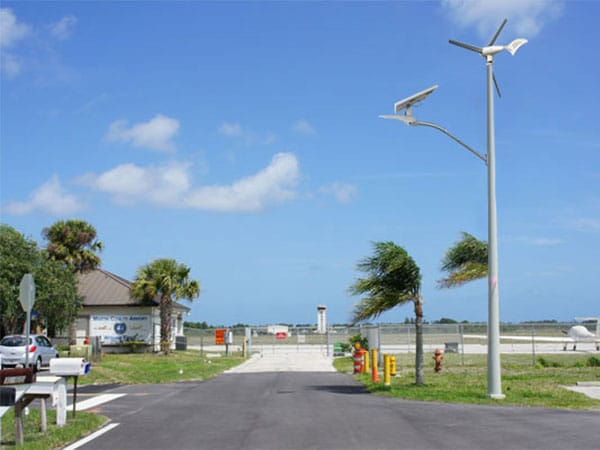 2-Wind-Solar-Hybrid-Street-Light-Solution