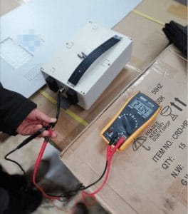 testing-lithium-battery-voltage