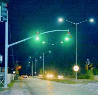 mercury vapor street light with bluish green illumination